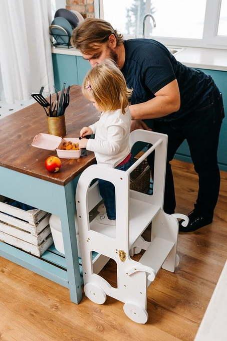 une tour Montessori